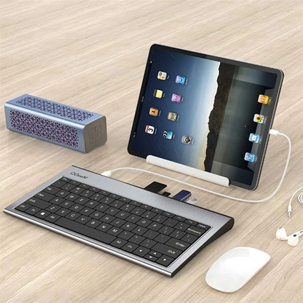 QGeeM Aluminum Alloy Keyboard with Built-In Docking Station Adapter