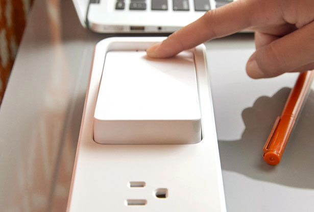 Quirky Pickup Power : Desktop Power Strip with Portable Battery