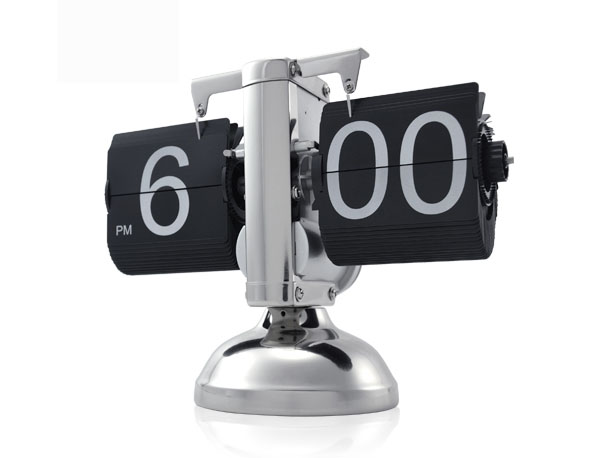 Retro Flip Down Clock with Internal Gear Operated Would Look Cool on Your Desk