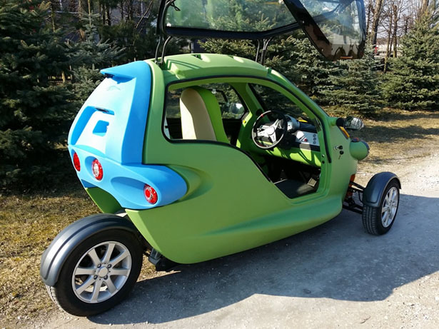 Sam Three Wheeled Small Electric Vehicle