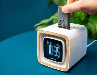Sensorwake Trio : An Alarm Clock That Gently Wakes You Up Through Smell, Sight, and Sound