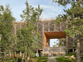 Skigard Hytte – Modern Cabin in The Mountain of Kvitfjell by Mork Ulnes Architects