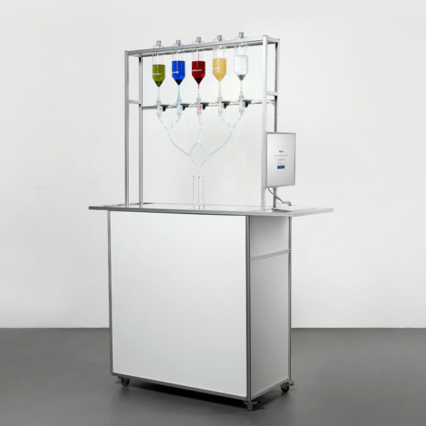 Social Shot Mobile Bar-Tending-Robot