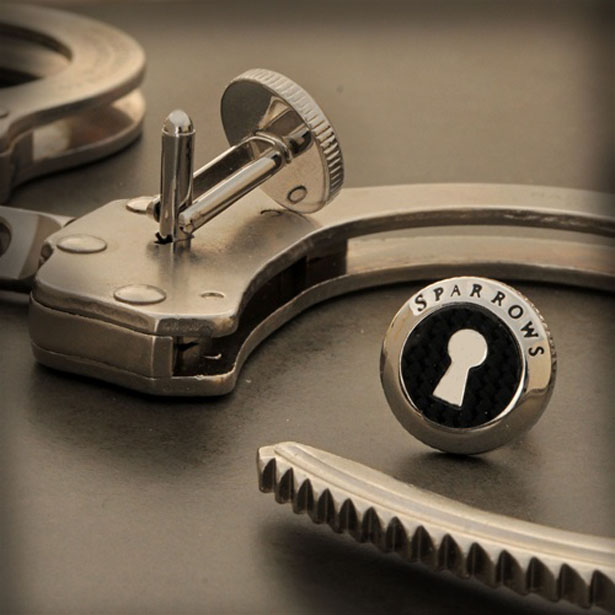 Sparrows Uncuff Link With Hidden Handcuff Key