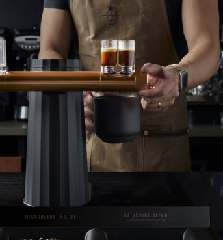 The Design of Phantom Espresso Maker Eliminates Barrier Between The Barista and Customers