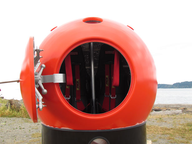 Survival Capsule to Survive from Tsunami