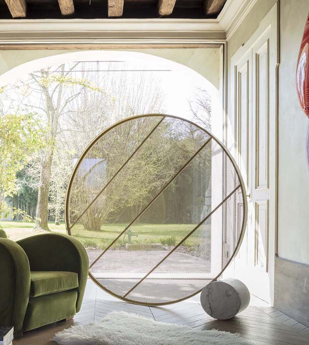 Swing Round Screen Space Dividier by Alessandro Di Prisco
