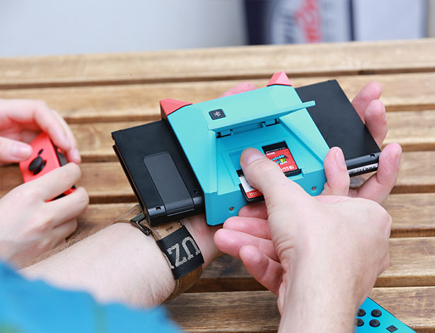 Switchblade Hub - Hand-Held Hub for Nintendo Switch