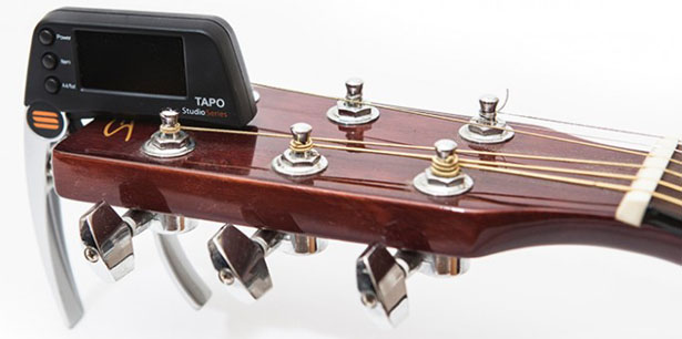 TAPO - Guitar Capo with Built-In Tuner