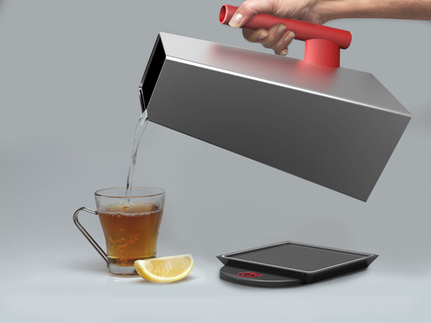 Trapeze Kettle by Fraser Leid