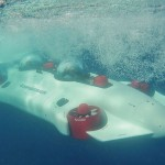 Battery Powered Undersea Aquahoverer Submersible Is Very Easy to Control