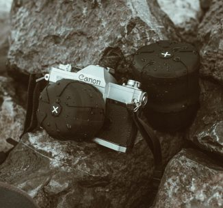 Universal Lens Cap 2.0 – One Lens Cap for Every Camera with Element Proof