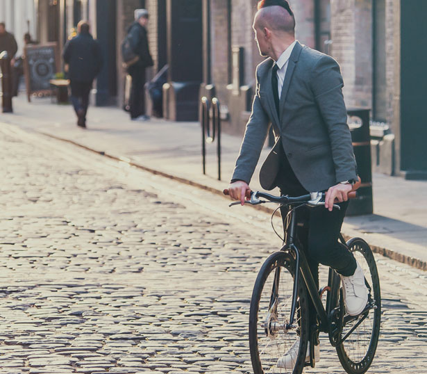 Urbanized Bicycle Features Airless Tires for Big City Living
