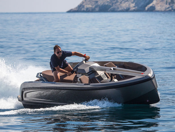 Vanqraft VQ16: A Crossover Between a Superyacht Tender and a Jet Ski