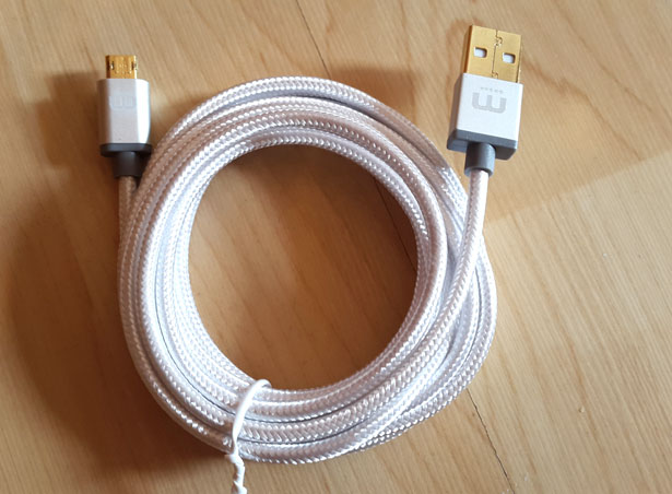 Winnergear MicFlip Fully Reversible Micro USB Cable Hands-on Review