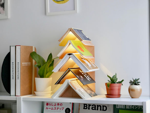 WISDOM TREE Bookrest Is Designed for Book Lovers