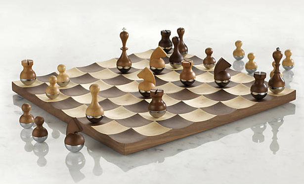 Elegant and classy wobble chess set by adin mumma tuvie - Umbra chess set ...