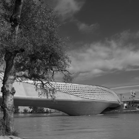 zaragoza bridge pavilion by zaha hadid