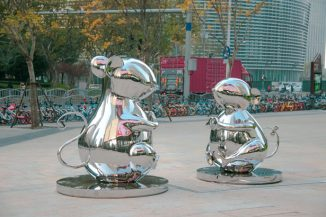 """Hongtao Zhou Debuts """"My Heart is with You – Rat"""" Zodiac Sculpture in Shanghai for the Year of Rat"""