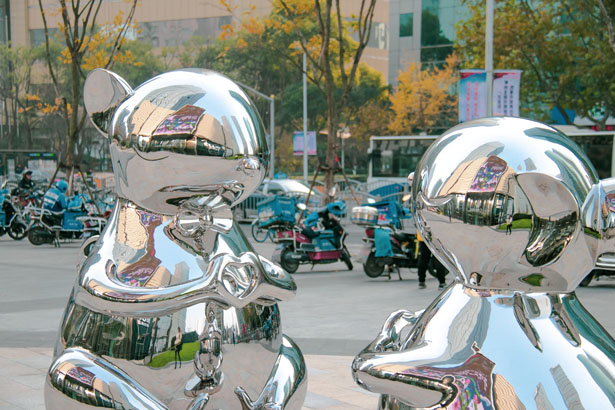 Hongtao Zhou Debuts - My Heart is with You – Rat - Zodiac Sculpture in Shanghai for the Year of Rat